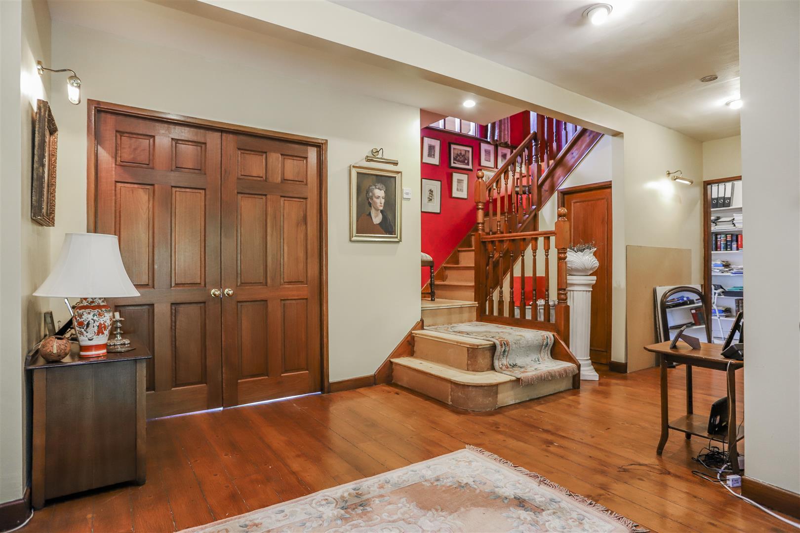 5 Bedroom Detached House For Sale - 2.JPG
